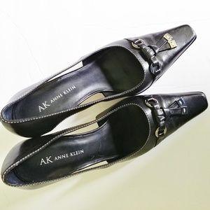 Ak Anne Klein 6 1/2m black dress shoe